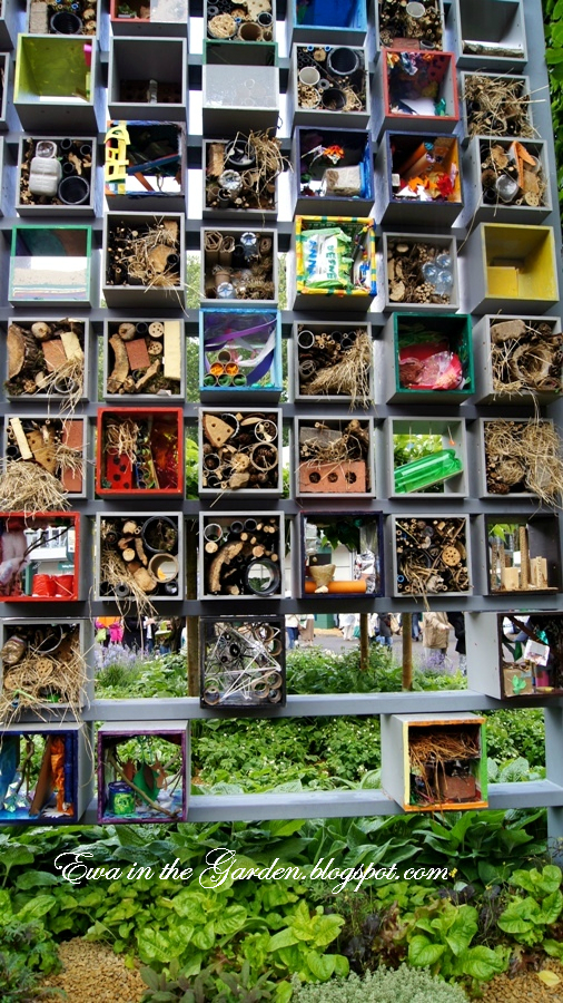 insect-hotels-2