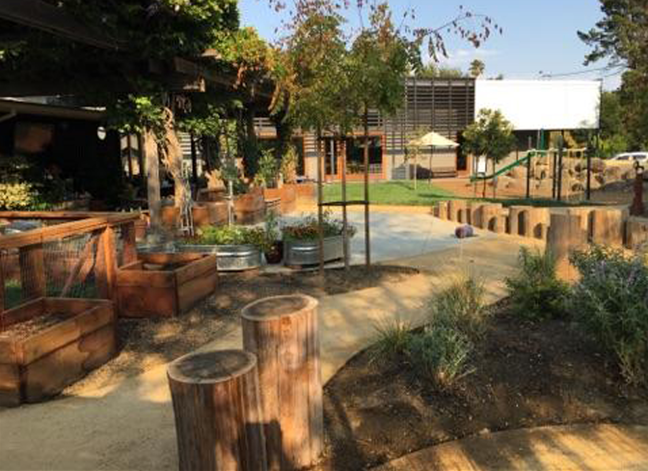 Montessori de terra linda playscape learning landscapes for Learn landscape design